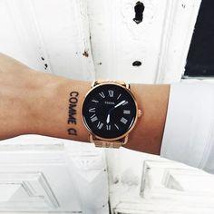 bei der #breadandbutter16 letzte woche habe ich die neue smartwatch von @fossil bekommen. mit ihr kann man super easy nachrichten, mails und das wetter checken. mehr zu den funktionen und wie man das aussehen der uhr ändern kann erfahrt ihr aber auf snapchat: isabellemariew. #fossilq #fossil #sponsored