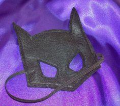Superhero Batman Mask READY to SHIP Ships next by littleshepsters, $7.00 Batman Party, Superhero Birthday Party, Batman Mask, Felt Mask, Superhero Capes, Kids Corner, Diy Toys, Kids Playing, Sewing Projects