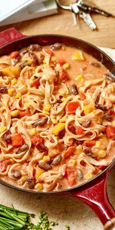 Die perfekte Kombination: würziges Chili mit leckeren Reisnudeln