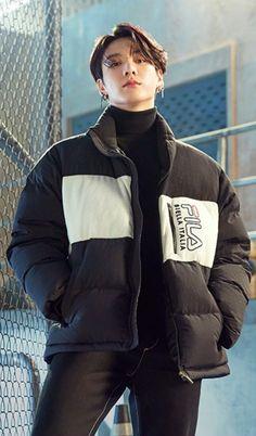 Foto Jungkook, Foto Bts, Jungkook Oppa, Namjoon, V Bts Wallpaper, Soft Wallpaper, Jung Kook, Mode Hijab, Bts Pictures