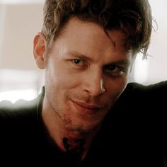 Find images and videos about gif, The Originals and joseph morgan on We Heart It - the app to get lost in what you love. Klaus From Vampire Diaries, Vampire Diaries Wallpaper, Vampire Diaries The Originals, Joseph Morgan, Don Draper, Magcon, Robert Downey Jr, Entertainment System, Klaus Mikaelson Gif