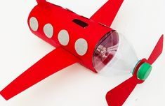 Airplane craft for kids - make this fun airplane piggy bank Quick And Easy Crafts, Crafts For Kids To Make, How To Make, Children Crafts, Craft Kids, Airplane Crafts, Super Healthy Recipes, Plastic Bottles, Easy Peasy