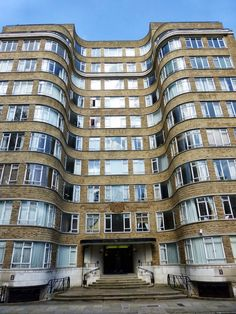 Florin Court, City of London used to depict Whitehaven Mansions in Poirot