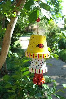 Project Fix It Up — Clay Pot Wind Chimes.I have so many pots that I. Flower Pot Art, Clay Flower Pots, Flower Pot Crafts, Clay Pot Projects, Clay Pot Crafts, Diy Clay, Flower Pot People, Clay Pot People, Painted Clay Pots
