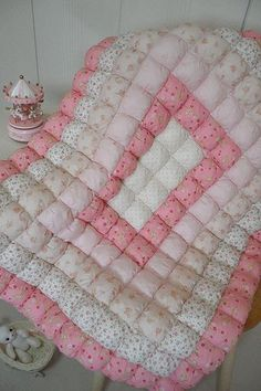Biscuit Quilt For Baby Patchwork Keksdecke für Baby Quilt Baby, Baby Quilt Patterns, Baby Girl Quilts, Girls Quilts, Bubble Quilt, Quilting Projects, Quilting Designs, Sewing Projects, Biscuit Quilt