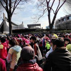 女性ランナーばかりで壮観 表参道Women's run #tokyo #japan #run_jp - @qazunori- #webstagram