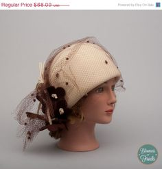 a4c62efc05ebd 1960s Cream Cloche Hat with Brown Felt from BloomersAndFrocks