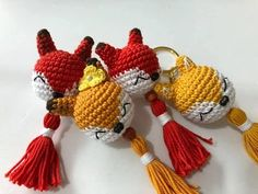 Crochet Keychain Pattern, Crochet Amigurumi Free Patterns, Crochet Toys, Crochet Stitches, Free Crochet, Knitting Patterns, Knit Crochet, Crochet Sloth, Crochet Fish