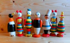 Brio fellows Ain't they sweet? Brio Toys, Garden Art, Tire Garden, Tyres Recycle, Stacking Toys, Wood Toys, Scandinavian Design, Vintage Toys, Art Supplies