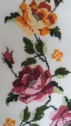 Cross Stitch Heart, Cross Stitch Borders, Cross Stitch Samplers, Cross Stitch Animals, Cross Stitch Embroidery, Cross Stitch Patterns, Red Pattern, Crochet Home, Embroidered Flowers
