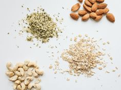 How to Choose the Best Non-Dairy Milk for Your Diet | carobcherub.com | @carobcherub Almond milk? Oat milk? Coconut milk? Find the best vegan milk for you! Healthy Fats, Healthy Weight Loss, Healthy Snacks, Healthy Recipes, Almonds Nutrition, Vegan Milk, Food Photography Tips, Pinterest Recipes, Overnight Oats