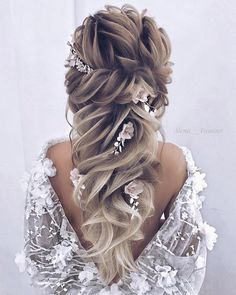 Women Hairstyles Popular Haircuts 20 Best Formal / Wedding Hairstyles to Copy in 2019 Short Wedding Hairstyles.Women Hairstyles Popular Haircuts 20 Best Formal / Wedding Hairstyles to Copy in 2019 Short Wedding Hairstyles