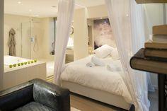 Une nuit pleine de douceur et de charme. Une atmosphère unique au centre ville de Lyon, pour se reposer, se ressourcer, se retrouver.  Retrouvez-nous et réservez sur : http://mihotel.fr/suites/dandelion  #Luxe #Luxury #Room #Hotel