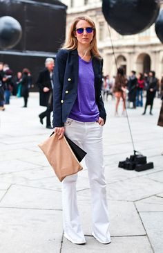 LE FASHION  BLOG STREET STYLE MIRRORED SUNGLASSES PURPLE HEATHER TEE TSHIRT NAVY BLAZER JACKET GOLD BUTTONS WHITE DENIM FLARES WIDE LEGS BELL BOTTOMS NUDE TAN OVERSIZED CLUTCH VIA A LOVE IS BLIND