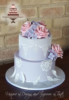 Dream Catcher Wedding cake #DreamCatcher #DreamCatcherWeddingCake #DreamCatcherWedding #ContemplatingCakes