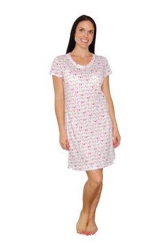 Made of 100% soft jersey cotton, this sleepshirt is perfect for spring and summer sleeping or lounging.  With a fun summer print, it will be hard not to dream about being somewhere tropical!  The sleepshirt measures 36