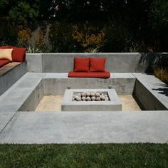 Concrete conversation pit. modern landscape, how cozy?  ( For a Bonfire of the Vanities )