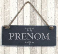 Ardoise « Le Jardin de... » Signs, Home Decor, Wine Cellar, Slate, 4 Kids, Stickers, Mom, War, Decoration Home