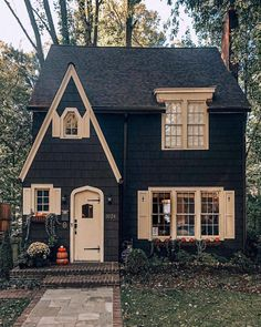 Cottage with paved walk, and brick front steps. Cottage with paved walk, and brick front steps. Style At Home, Cute House, Cottage Homes, Tudor Cottage, Brick Cottage, English Cottage Style, Storybook Cottage, Garden Cottage, French Country