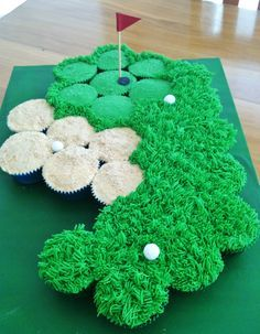 Golf course pullapart cupcake cake...cupcakes could create other sports courts too! :):):):):) yum!!!