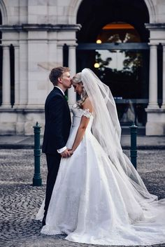Modern Wedding Peppermint Photography  An effortless and elegant wedding overlooking Brisbane
