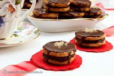 Romanian Food, Cheesecake, Cookies, Desserts, Crack Crackers, Tailgate Desserts, Deserts, Cheesecakes, Biscuits