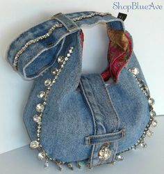 Denim Trousers to Denim Handbags Diy Recycling, Denim Handbags, Denim Purse, Denim Jean Purses, Denim Ideas, Denim Crafts, Boho Bags, Recycled Denim, Fabric Bags
