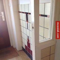 jaren 30 tegellambrisering bij trap en gang  advies vloer en badkamer