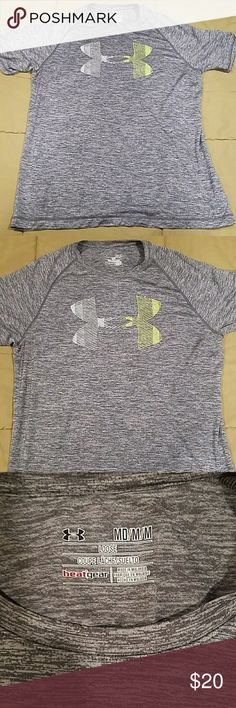 Under Armour Loose Fit Heat Gear Tee Excellent condition Under Armour Tops Tees - Short Sleeve