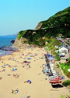 Not long till my holidays in June ( not that I'm counting the days, oh no, not me ;) ) Tresaith Beach is the nearest beach to where we're going :)