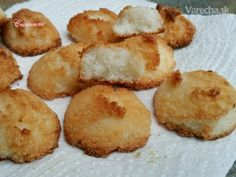 Šťavnaté kokosky (fotorecept) - Recept Christmas Goodies, Christmas Baking, Snack Recipes, Snacks, Ale, Sandwiches, Muffin, Chips, Sweets