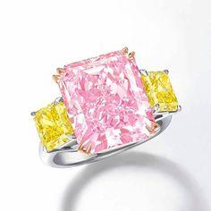 Spectacular 10.25 carat Fancy Intense Purplish Pink Diamond Ring by #ronaldabram