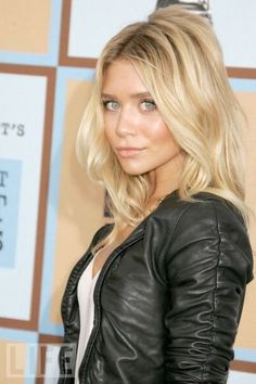 Who woulda thought I'd be pinning Mary Kate (or Ashley) Olsen??? Love the hair though!