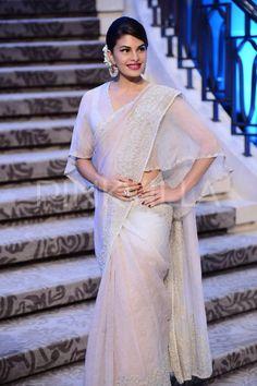 Jacqueline Fernandez attends Anamika Khanna's fashion show 2015.