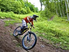 Up near Haliburton this ski hill has decent downhill mountain bike trails to zoom on. Find the details and review here on OBT. Mtb Trails, Mountain Bike Trails, Ski Lift Chair, Ski Hill, Eagle Lake, Downhill Bike, Forest Trail, Blue Mountain, Bmx