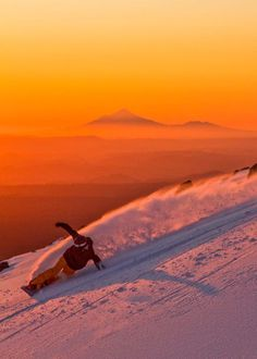 Mt Ruapehu, New Zealand my old mountain where i learnt to ski as a kid Wanna see more snowboards stuff? Just tap visit buttons! #snowboard #mountains