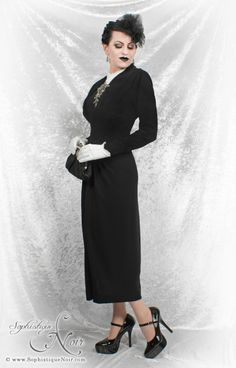 Vintage Gothic Glamor - Sophistique Noir's Fabulous Fortieth Birthday Outfit