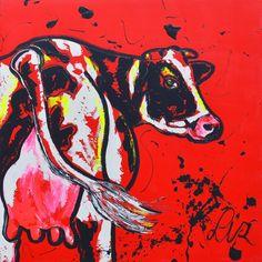 Dit is een vrolijk Schilderijop doek, titel: 'Koe schilderij op rood' kunstwerk vervaardigd door: Liz