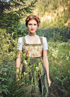 Lena Hoschek Dirndl 2015, Sommerdirndl ~ mit Filipendula ulmaria Meadowsweet