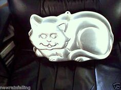 WILTON Cake Baking Pan-BIG LARGE KITTY CAT Great condition, Instructions WW Ship    $29.95