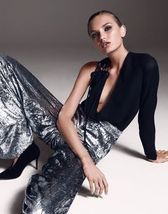 Model Romee Strijd wears slinky glam looks styled by Morgan Pilcher in 'Shining Example', Photographer Bjorn Iooss is in the studio for The Edit October Hair by Peter Gray; Fashion 2020, Fashion Models, Fashion Show, Gold Fashion, Woman Fashion, Parisian Chic, Party Looks, Editorial Fashion, Celebrity Style
