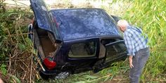 20.09.14 / Victime d'orages, Alès a été lourdement touchée par les inondations / Les sapeurs-pompiers, avec l'aide d'hélicoptères, ont effectué, dans la nuit du vendredi 19 à ce samedi 20 septembre, deux sauvetages et vingt-huit mises en sécurité à Alès (Gard), où de fortes pluies ont entraîné des inondations sans faire de victime, a-t-on appris auprès du centre départemental de secours / Ce samedi 20 septembre au matin, une quarantaine de personnes étaient accueillies dans le gymnase ...