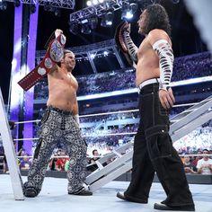 Raw Tag Team Championtitel Fatal 4-Way Leiter-Match: Fotos