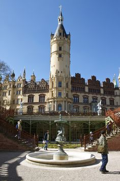 A Day Trip from Berlin: Schwerin Photos.