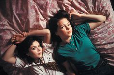 Anna Friel and Michelle Williams in Me Without You (2001)