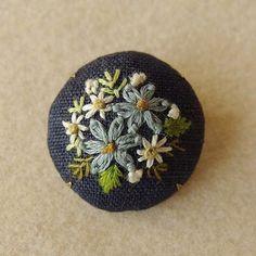 #刺繍 #embroidery #tukuruRisabroderie #flower #ブローチ