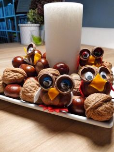 Legende  Kastanienmännchen and Co. - Autumn decoration made with chestnuts and nuts  #autumn #chestnuts #Decoration #deko #dekoration #DekorationHerbst #Kastanienmännchen #legende #nuts