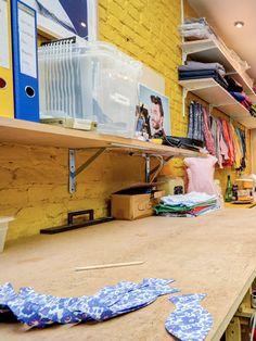 cd18d22dbdc7b Atelier au fond de la boutique de noeud papillon à Lille, Le Colonel  Moutarde :