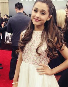 Ariana Grande hair inspiration -- love the soft curls. I need to grow my hair out a few more inches for this though.