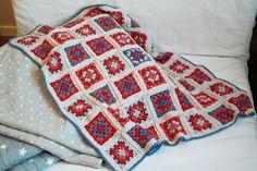 Crochet baby blanket kaksneljaseitteman.blogspot.fi